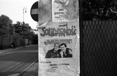 fig SFiglarowicz-1989_19-I-6_WAWA-Kuroń-Wałęsa-006-s 40