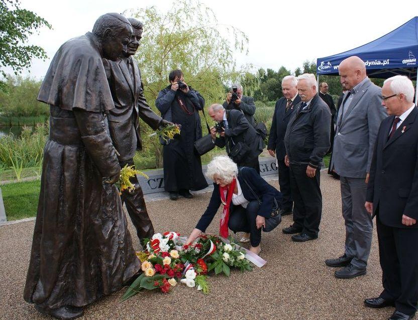 Pomnik Jana Pawła II i Rolanda Reagana Gdańsk-Przymorze