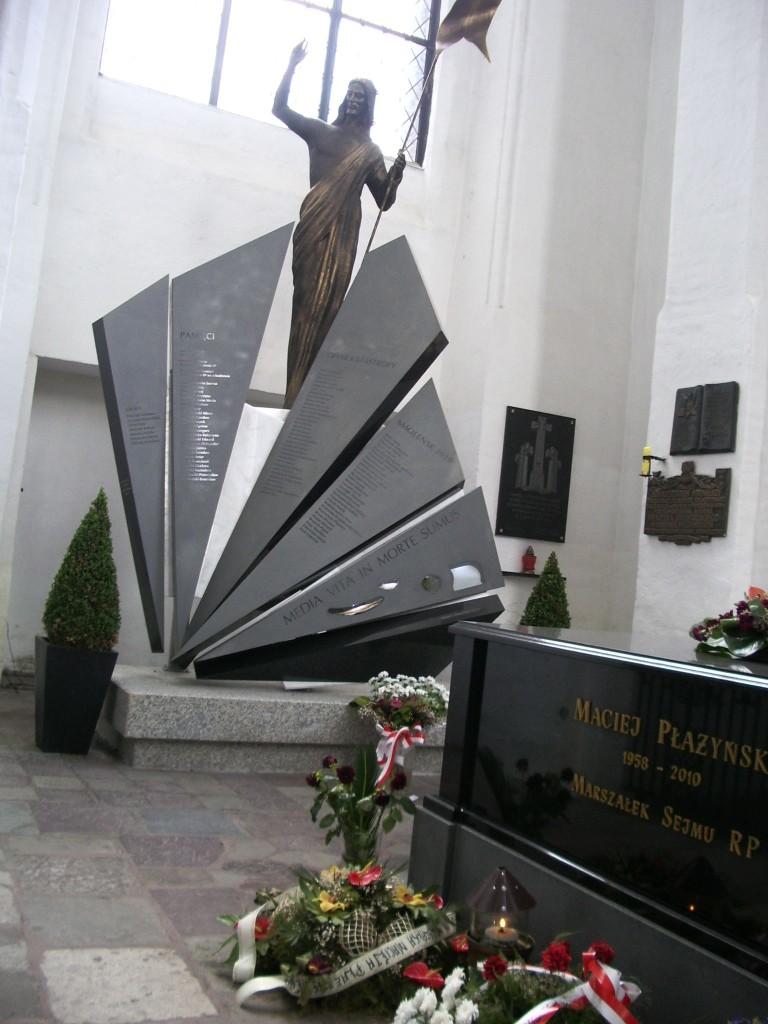Pomnik Ofiar katastrofy smoleńskiej Bazylika Mariacka