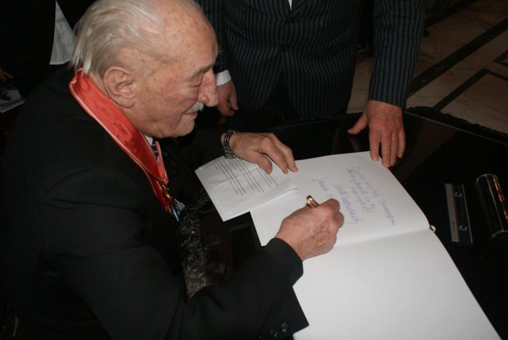 PROF. W. ANDRUSZKIEWICZ