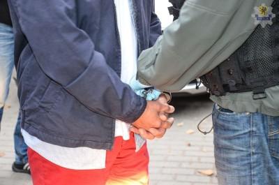 KWP GDAŃSK - POLICJANCI ZATRZYMALI MĘŻCZYZNĘ PODEJ-RZANEGO O PEDOFILIĘ (2)