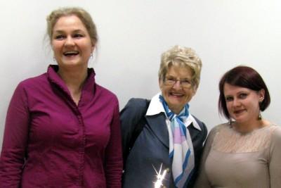 od lewej Magdalena Wojtkiewicz- onkolog profesor Krystyna de Walden - Galusyko założycielka Infolinii i Dorota Grabowska- koordynatorka Infolinii