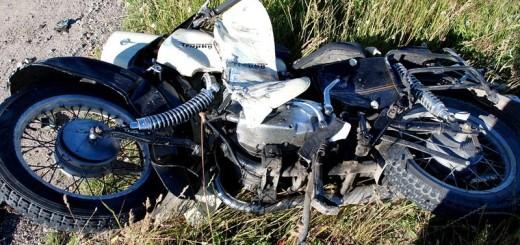 STAROGARD GDAŃSKI - ZGINĄŁ 50-LETNI MOTOCYKLISTA.rozbity motocykl
