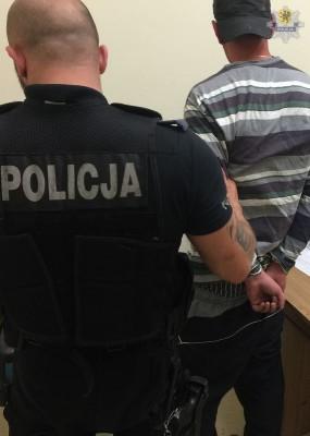 pol gda z nozem na policjanta