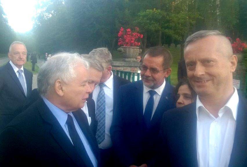 Andrzej Leyk podczas wizyty na Kaszubach Jarosława Kaczyńskiego